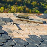 ¿Quién debe arreglar la tela asfáltica de mi terraza?